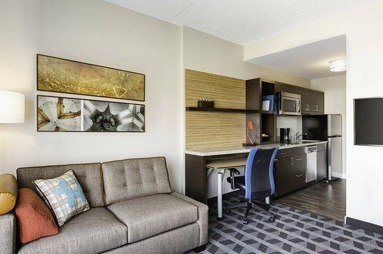 Grafton, Wisconsin: Suite
