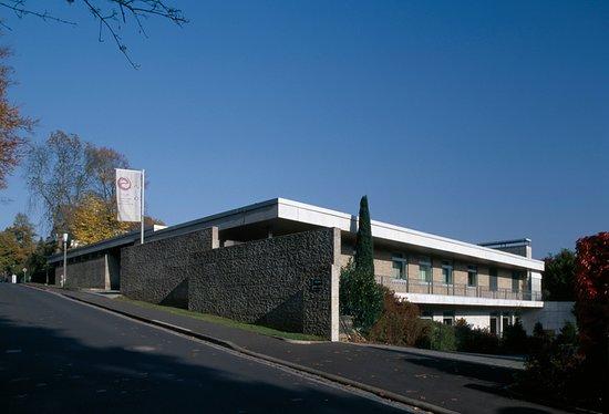 Schweinfurt, Germany: Das Museum Otto Schäfer wurde Mitte der 1960er Jahre als Wohnhaus erbaut