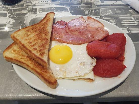 Stanford-Le-Hope, UK: Breakfast
