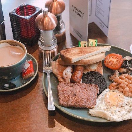 Tonic: Nice breakfast.😁