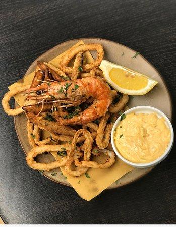 Purley, UK: Fritto Misto - King prawns, calamari and whitebait with roasted garlic mayonnaise and lemon