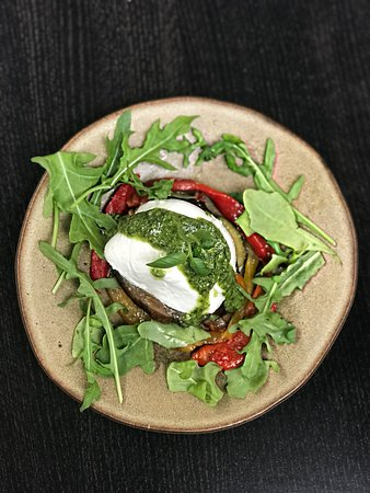 Purley, UK: Buffalo mozzarella with Marinated grilled vegetables, rocket and basil pesto