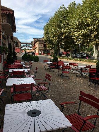 Vonnas, فرنسا: Devanture du restaurant