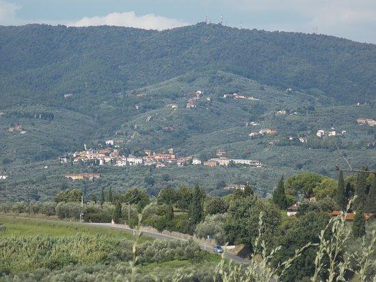 Castelvecchio Pascoli, Italia: окружающий пейзаж