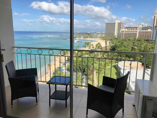 Waikiki Shore: ラナイからの眺めは抜群
