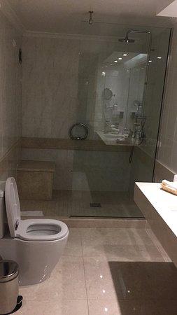 Divani Caravel Hotel Photo