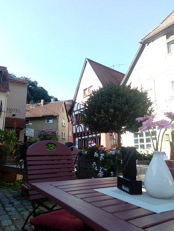 Eppstein, ألمانيا: Blick von unserer Außenterrasse auf unser Restaurant