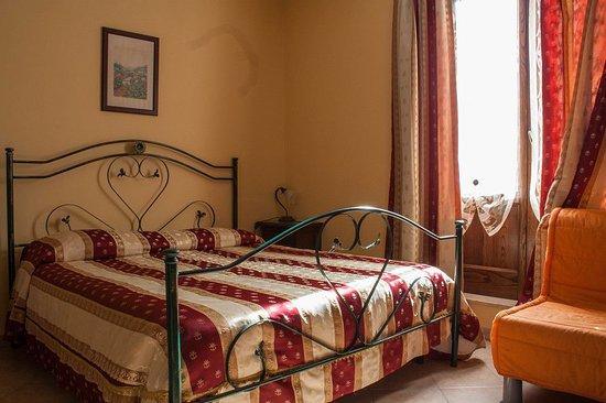 Fagnano Castello, Italien: camera matrimoniale con bagno interno