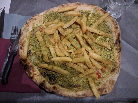 """Al Pero: Pizza """"Piuttosto""""(meno crudo,più patatine)"""