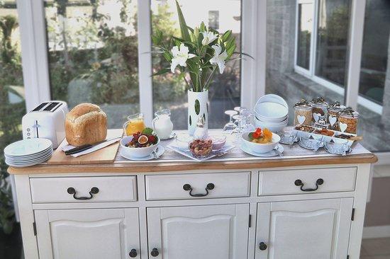 Mount Hawke, UK: Breakfast Buffet