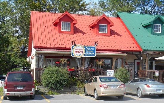 Prevost, Canadá: BOZO Pizza et déjeuner