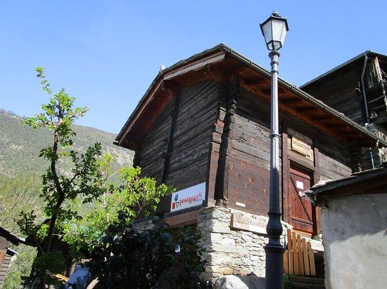 postman8 - Museum