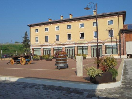 Montebello Vicentino, Olaszország: piazzale dell ristorante