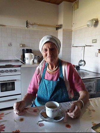 """Anterivo, إيطاليا: Oma Regina die  """"Dienstag Rezeption"""""""