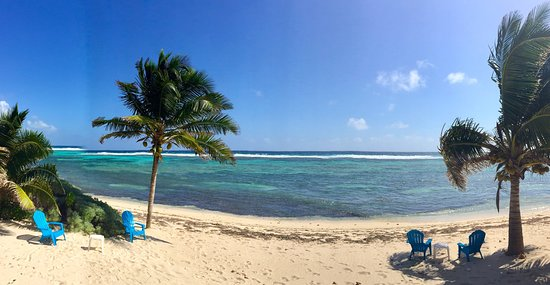 Bodden Town, Grand Cayman: Part of the beach area