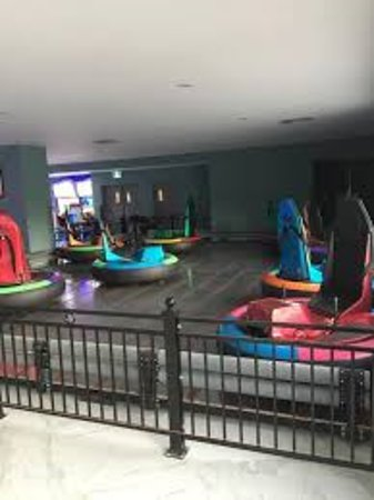 201 Grill And Game Bar: 8 Bumper Cars Fully Controlled By The Driver