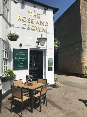 Wivenhoe, UK: Welcome to the Rose