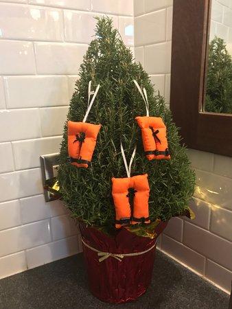 11 30 17 Cute Little Christmas Tree In The Women S Bathroom