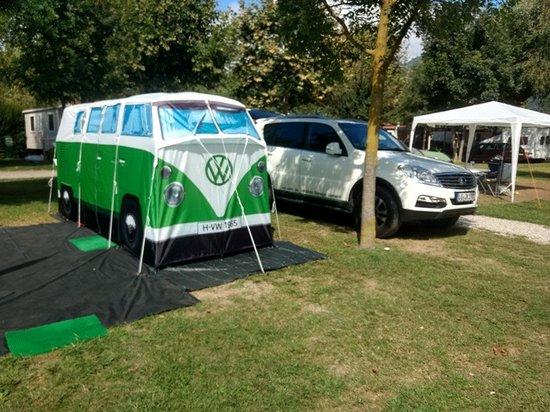 Feriolo, Italy: umweltfreundliches Wohnmobil VW T 1