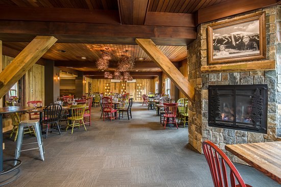 Carrabassett Valley, ME: The 45 North dining room.