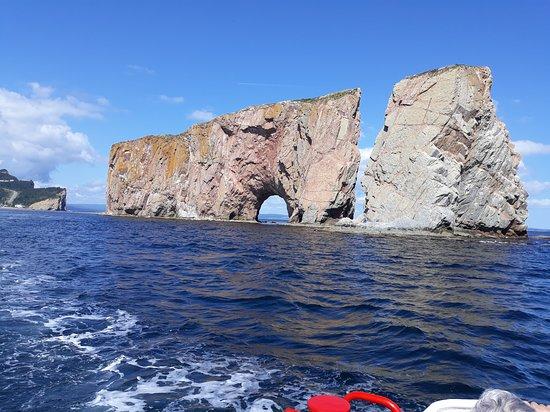 Parc national de l'Ile-Bonaventure-et-du-Rocher-Perce: roche percé