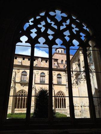 Ona, إسبانيا: Arco y contraluz