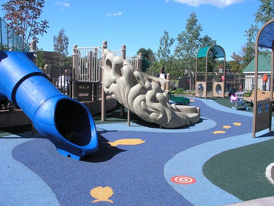Beachwood, OH: Slides in preschool area