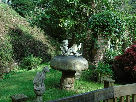 Wookey Hole, UK: Pixies at the bottom of your garden