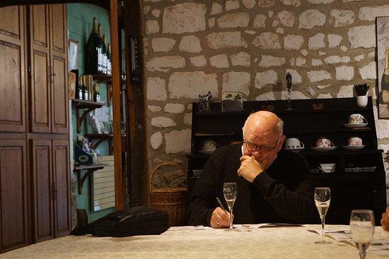 Mareuil-sur-Ay, Франция: Gourmet Wine Travel - please do no work to much