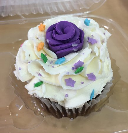 Objet d'Art Gallery & Studios: Cupcake Decorating