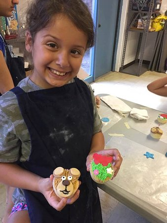 Objet d'Art Gallery & Studios: Cupcake Decorating (children or adults)