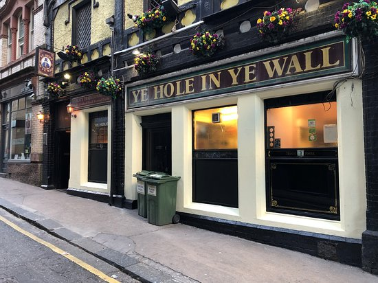 Ye Hole in Ye Wall