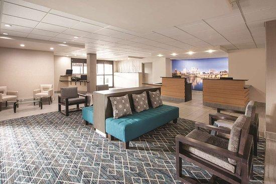 New Cumberland, بنسيلفانيا: Lobby view