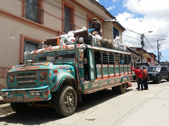 Silvia, Colombia: Loading up the bus