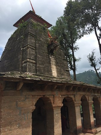Almora, الهند: Devi's home