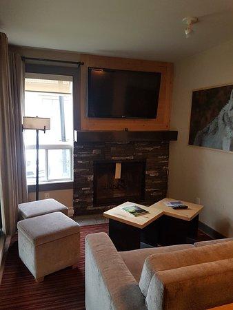 Banff Rocky Mountain Resort: 20180915_171910_large.jpg