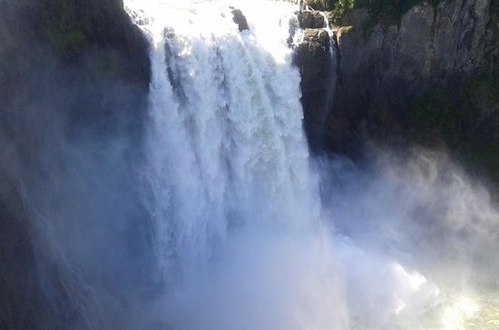 Waterfalls and Cascade Mountains Tour