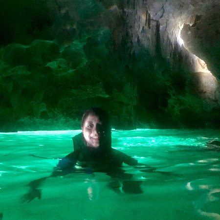 Siargao Island, Filipinas: The luminous water inside Hagukan Cave