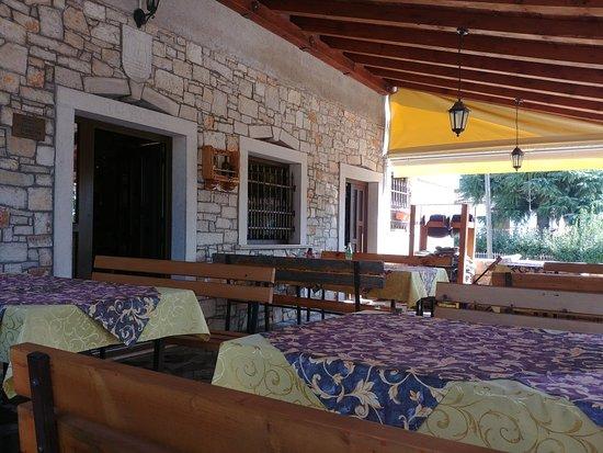 Tar-Vabriga, Croatia: 20180920_134037_HDR_large.jpg