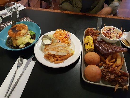 Госнеллз, Австралия: Pub food