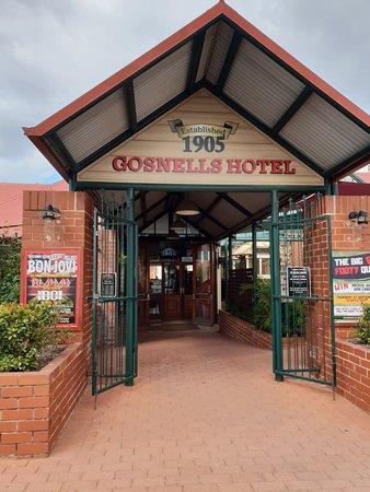 Gosnells, Australia: Entrance