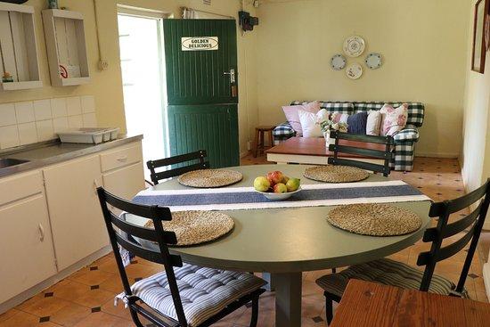 Grabouw, South Africa: Golden Delicious living area