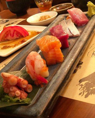 TOKIO JOE: a variety of sashimi, yum !!!