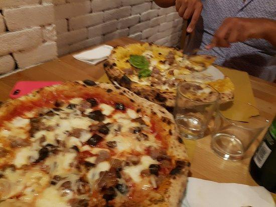Casagiove, Italy: 20180919_212602_large.jpg
