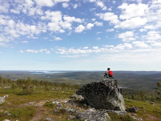 Ivalo, Finlândia: Marvellous views over Otsamo fell in Inari.