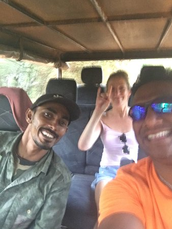 Puttalam, ศรีลังกา: In jeep safari At Wilpattu national park