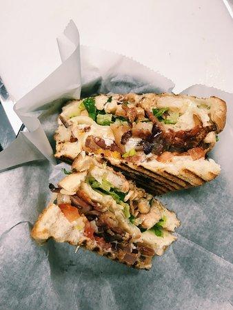 Lauderdale Lakes, FL: Grilled Chicken Sandwich