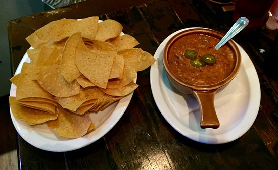 Mountain Top, Πενσυλβάνια: Queso Dip and Chips