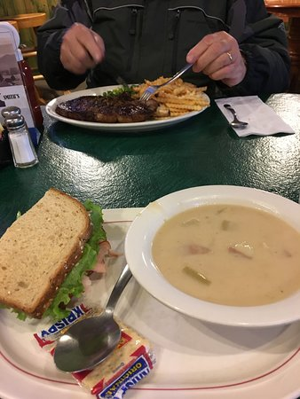 Soapy Smith's Pioneer Restaurant: Steak and chowder and sandwich