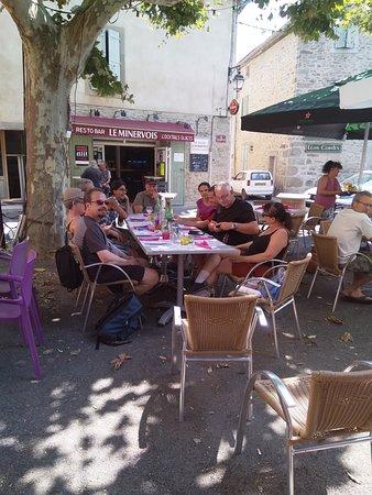 Siran, Frankreich: Un endroit convivial